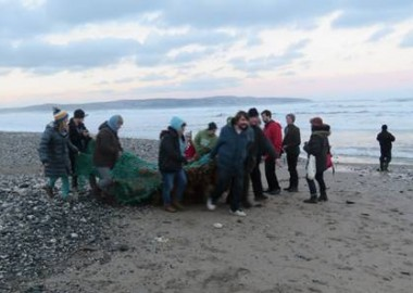 Amazing and inspiring volunteers removing ghost gear